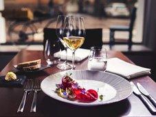 Hiihtolomaviikkoina ravintola La Maison tarjoaa kolme ruokalajia hintaan 39,00 (46,00)